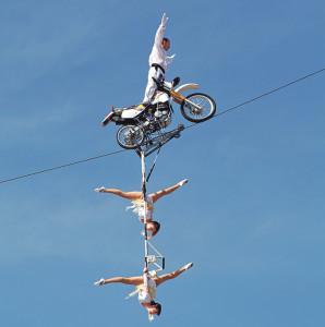 Falco Traber wird übers Hafenbecken balancieren.(Bild: zvg)