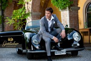 Wer die Gäste mit welchem Wagen und welcher Startnummer umherkutschiert, lässt sich auf der Webseite der Veranstaltung in Erfahrung bringen. Auf dem Bild: Der Porsche vom Sponsor Gottlieber Spezialitäten AG. Heschäftsführer Dieter Bachmann wird am Steuer sitzen. (Bild: zvg)