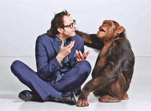 Kabarettist Vince Ebert ist nicht nur auf den Affen gekommen. (Bild: zvg)