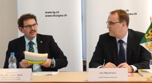 Finanzdirektor Jakob Stark (links) und Urs Meierhans, Chef der Finanzverwaltung, stellten den Medien das Budget 2015 und den Finanzplan 2016-2018 vor. (Bild: zvg)