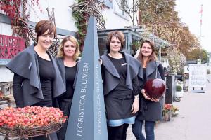 Das Team des Floristica Blumenladens ist gerüstet für den Winter: (v.l.) Bettina Frei, Gabriela Schmidhauser, Pamela Heinzer und Raika Heinings.(Bild:ek)