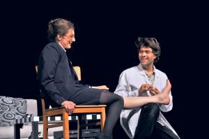 Die zwei Darsteller sorgen dafür, dass es nicht langweilig wird auf der Bühne.  (Bild: zvg)