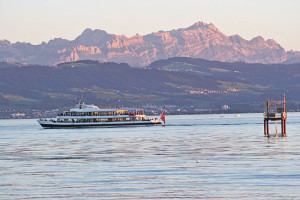 Die Bodenseeschiffe fahren auch noch wenn die Tage kürzer werden.(Bild: zvg)