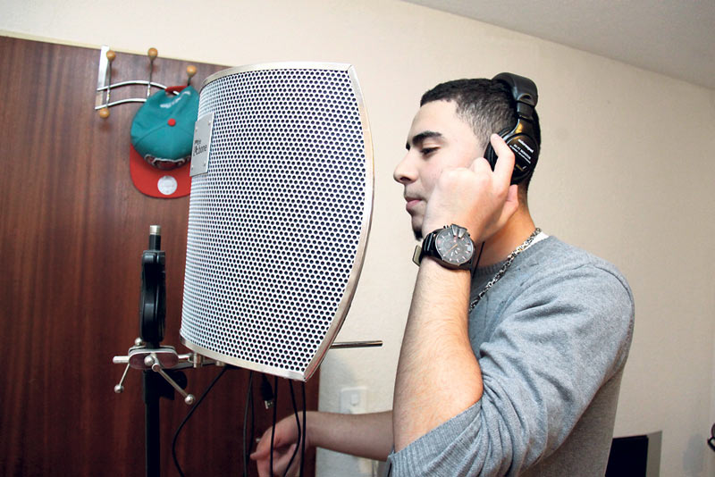 Karim «Lucky» Laidouci in Aktion: «Texte schreiben hilft mir, meine Probleme zu verarbeiten.» (Bild: ek)