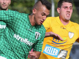 Marcel Simsek (vorne) zieht es vom FC Kreuzlingen weg. (Bild: Gaccioli)