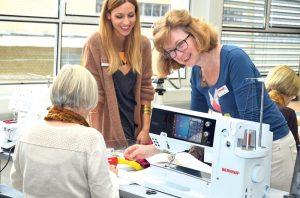 Unter fachmännischer Anleitung lernen Kursteilnehmer im Bernina Creative Center hochwertige Unikate herzustellen.(Bild: zvg)