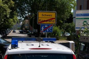 Schweizer und deutsche Polizisten arbeiten zusammen. (Bild: zvg)