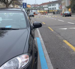 Aus den grenznahen Blauen Zonen werden gebührenpflichtige Kurzzeitparkplätze.(Bild: ek)