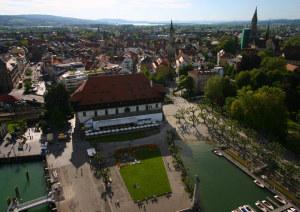 Im Konstanzer Konzilgebäude treffen sich am 30. April 2015 zahlreiche Persönlichkeiten aus Wirtschaft und Politik zum ersten internationalen Wirtschaftskonzil. (Bild: zvg)