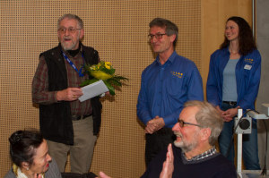 Ehrenmitglied: Josef Stalder mit Günther Keim und Marion Kratzer (Vorstandsmitglieder).  (Bild: zvg)