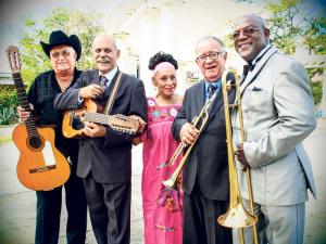 «Bei ihrer Musik geht mir das Herz auf», freut sich Dieter Bös bei der Bekanntgabe des Auftritts des Buena Vista Social Clubs. Die Kubaner machen auf ihrer Abschiedstournee halt am Zeltfestival. (Bild: zvg)