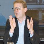 Moderator Tim Büchele. (Bild: sb)