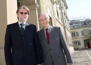 egierungspräsident Claudius Graf-Schelling und der Botschafter Sloweniens, Frank Mikša, nach dem Gedankenaustausch vor dem Regierungsgebäude in Frauenfeld. (Bild: zvg)
