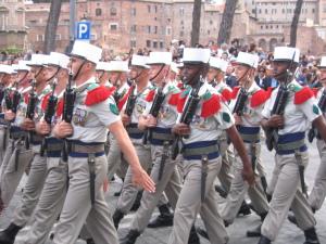 Die Fremdenlegion marschiert. (Bild: de.wikipedia.org)