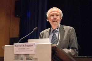 Die Kompetenzorientierung gilt als Leitbegriff des Lehrplans 21. Dazu äusserte sich Prof. Dr. Kurt Reusser von der Universität Zürich. (Bild: zvg)