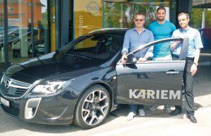 Christian Mettler (v.l.), Inhaber Metropol Garage AG Amriswil, Kariem Hussein, Christian Heller, Inhaber Heller Automobile AG Kreuzlingen.(Bild: zvg)