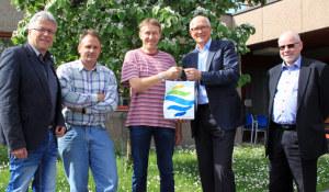 Stadtrat Ernst Zülle, Daniel Appert, Leiter Stadtgärtnerei, Daniel Stravaux, Stadtammann Andreas Netzle, und Bauverwalter Heinz Theus. (Bild: zvg)