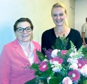 Lisa Raduner (l.) ist neue Gemeindepräsidentin und folgt auf Frau Gemeindeammann Rosmarie Obergfell. (Bild: sb)