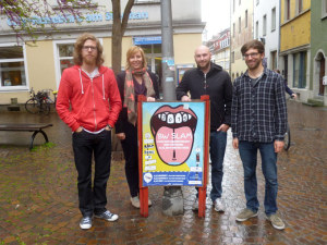 (V.l.n.r.) Claudio Michaelis (AStA Uni Konstanz), Sarah Müssig (Leiterin Kulturbüro), Marvin Suckut (Poetry Slam Konstanz), Simon Henn (AStA Uni Konstanz). (Bild: Kulturbüro Konstanz)