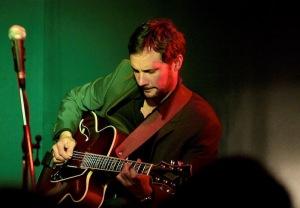 Gitarrist Jörg Enz. (Bild: www.joergenz.de)