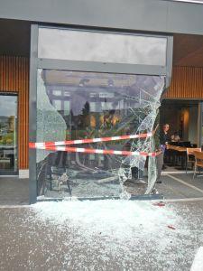 Eine Person wurde bei der Kollision leicht verletzt. (Bild: Kapo TG)