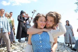 Regisseurin Astrid Keller probt hier mit ihrem Ensemble für «Romeo und Julia auf dem Dorfe».  (Bild: zvg)