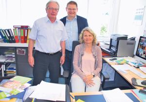 Jürg Schenkel, René Zweifel und Doris Bachmann (v.l.) im Büro des Pestalozzi-Schulleiters. (Bild: tm)
