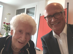 «Selfie» mit Lina Oswald und Stadtpräsident Andreas Netzle. (Bild: IDK)