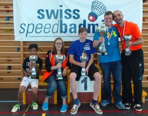 Tharusan Jegan (Sieger U12), Nadine Weingartner (Siegerin Damen), David Camen (Sieger U18), Ivo Junker (Sieger Herren), Christian Vogel (Sieger Senioren +40). (Bild: zvg)