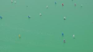 Die Grünfärbung ist vor allem aus der Vogelperspektive gut erkennbar. (Bild: Hans Jörg Kühnbach)