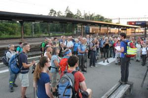 Wanderleiterin Damaris Gähwiler durfte über 70 Mondscheinwanderer begrüssen. (Bild: zvg)
