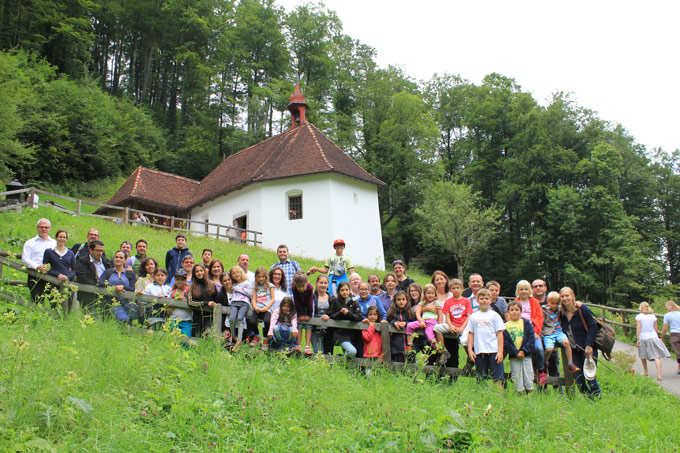 13 Familien nahmen teil. (Bild: zvg)