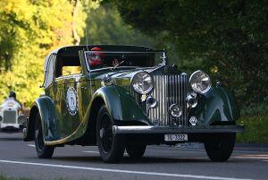 Schöne Autos fahren über das Land. (Bilder: zvg)