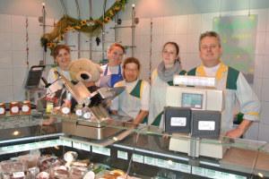 Das Team der Metzgerei Baer verabschiedet sich mit einem Dankeschön von ihren Kunden. (Bild: zvg)