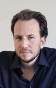Der Autor, fotografiert von Christoph Öschger. (Bild: zvg)