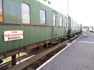 """Zwei Reichsbahnwaggons als """"Mahnmal der Deportation"""" der badischen Juden vor 75 Jahren. (Bild: zvg)"""
