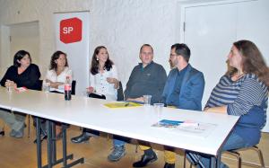 Sorgten für einen informativen Abend (v.l.): Anà Tomas, Monica da Silva, Nina Schläfli, Daniel Lauber, Guiseppe Custodero und Zeljka Blank. (Bild: Thomas Martens)