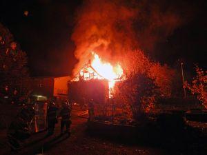 Beim Brand eines Einfamilienhauses in Neukirch-Egnach wurde eine Person verletzt. (Bild: Kapo TG)
