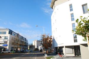 Die Bachstrasse in Kreuzlingen. Hier sind Betreibungs- und Grundbuchamt und bald auch der Friedensrichter ansässig. Das Notariat bleibt in der Hauptstrasse. (Bild: Thomas Martens)