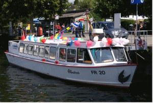 Das Fahrgastschiff «Napoleon» verkehrte früher in Schaffhausen unter dem Namen Albatros (Firma Amacker) und war zwischendurch am Murtensee stationiert. (Bild: zvg)