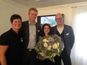Moni Brauchli Sonnenecke (links) gratulierte Erika Harder und Lukas Fritschi von der Seemöwe (Mitte) zum Erfolg. Rolf Müller (ganz rechts) von Thurgau Tourismus. (Bild: zvg)
