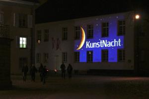 Wenn sich langsam die dunkle Jahreszeit über die Niederburg legt, sorgen die Künstler im Quartier noch einmal für Lichtblicke. (BIld: zvg)