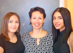 Sahina (v.l.), Roswitha und Hatice bilden das Coiffure Team. (Bild: dh)