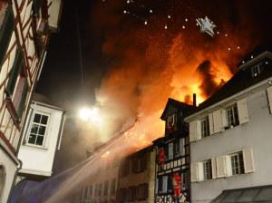 Beim Brand in der Altstadt von Steckborn wurden drei Personen leicht verletzt. (Bild: Kapo TG)