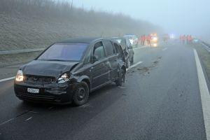 Drei Personen wurden bei einem Unfall leicht verletzt. (Bilder: Kantonspolizei Thurgau)