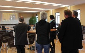 Gespannt verfolgen Kreuzlinger Gemeinderäte die Bundesratswahl. (Bild: ek)
