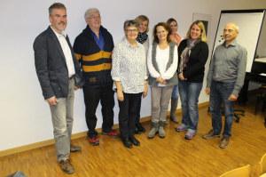 Thomas Leuch (l.) und die Kandidierenden für die Kirchenvorsteherschaft. (Bild: zvg)