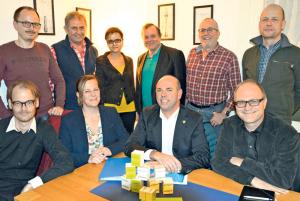 Diese Kandidaten treten für die GLP zur Grossratswahl am 10. April an, vorne sitzend das Spitzenquartett. Stefan Scheiwiller und René Seiler fehlen. (Bild: Thomas Martens)