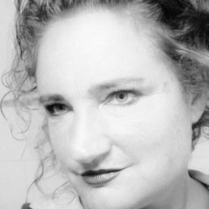 Daniela Tiefenhalter-Kessler arbeitet mit Beton und Ton. (Bild: zvg)