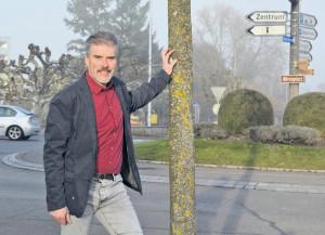 Thomas Leuch vor dem Kreuzlinger Bärenkreisel.(Bild: sb)